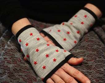 Mitten/handcuff/grey with red star acrylic wool / cotton lined
