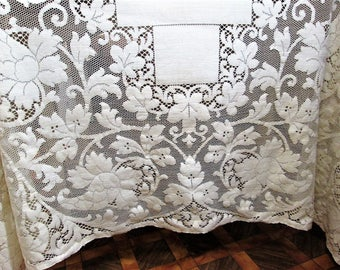 Vintage Quaker Lace Tablecloth Ivory Table Linens Off White Ecru Dining Table  Cloth 64 X 80
