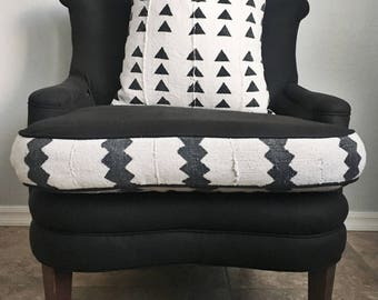 """Authentic African mudcloth white w/ black triangles 19"""" pillow cover / boho / modern / farmhouse"""