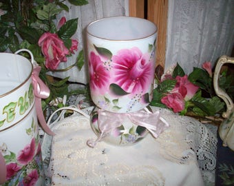 Adorable Pink roses table lamp