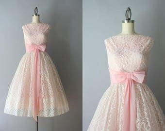 1950s Dress / Vintage Early 1960s Pale Pink Lace Party Dress / Pink and White Bows and Lace 50s Party Dress