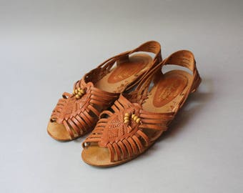Vintage Huarache Flats / 1980s Woven Leather Sandals / 70s 80s Leather Craft Huarache Shoes
