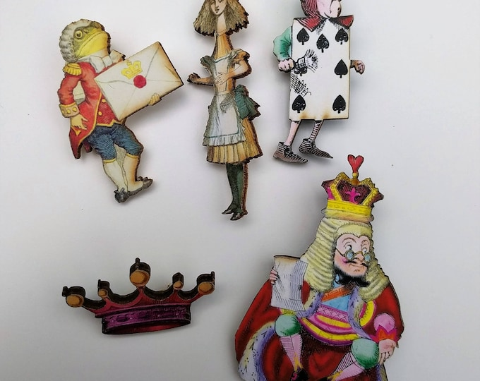 5 x Alice in Wonderland Wooden Brooches - Alice, Royal Page, Frog Footman (Set 5)