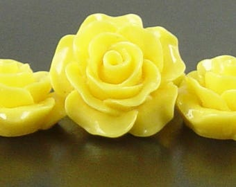 Cabochon Resin Flower 4 Resin Round Rose Flower Yellow 20mm x 9mm (1019cab20m4-13)