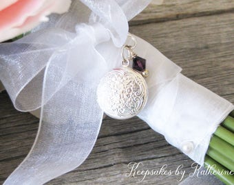 Bridal Bouquet Locket,  Round Locket, Wedding Keepsakes, Brides Gift, Bouquet Jewelry