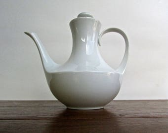 Block Blanco Coffee Pot and Lid, Espana Blanco by Block Bidasoa, High Gloss White Porcelaine from1969 Spain