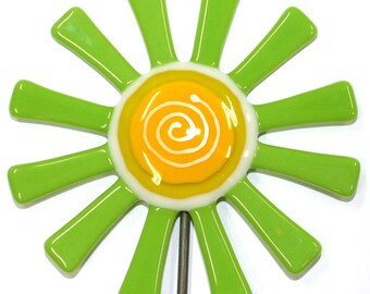 Glassworks Northwest - Lime Green Daisy Flower Stake - Fused Glass Garden Art