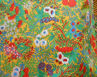 "Vibrant CONCORD FLOWER FABRIC Red Carnations White Daisies Blue Berries Green Leaves Unused Cotton, Clothing Quilt Pillowcases 45 x 60"" yd"