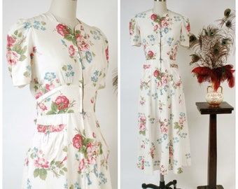 Vintage 1930s Dressing Gown - Lustrous Mercerized Cotton Rose Floral Late 30s Hostess Dress with Pockets and Bell Zipper