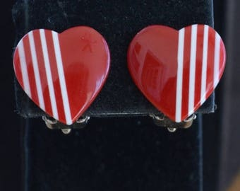 ON SALE Pretty Vintage Red, White Plastic Heart Clip Earrings, Valentines's Day (I1)