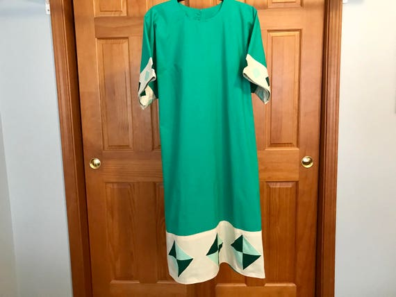 Women's Traditional Dress - Vintage