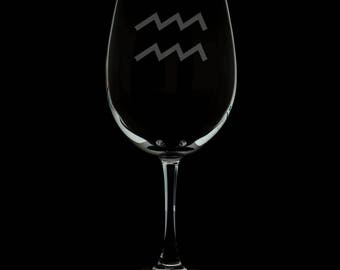 Aquarius 13 Ounce Personalized Wine Glass