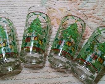 Vintage Christmas Glasses / Lot of 4 Tumblers / Water Glasses / 12 ounce Drinking Glasses / Christmas Holiday Glassware