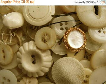 ONSALE 100 lovely Old dirty white buttons Lot 30