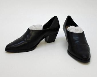 Vintage Black Bootie Shoe / Nicole / Slant Heel / Size 6N