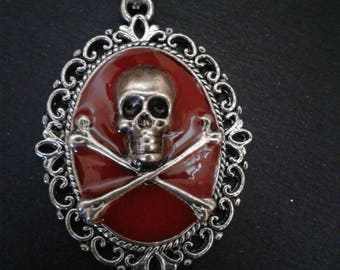 Skull Pendant Necklace Skull and Crossbones Gothic