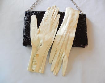 vintage leather gloves, ivory, made in Italy, fine kid leather, 1950s, ladies accessories