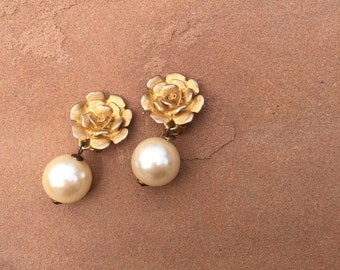 40% OFF The Vintage Faux Pearl Gold Painted Rose Drop Clip On Earrings