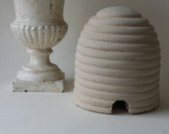 hold fo rndean - cement bees skep beehive (please do not purchase unless you are rndean)