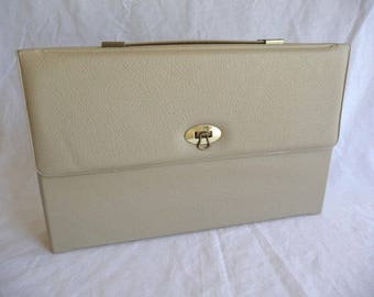 Vintage Satchel, Beige Satchel, Plastic File Holder, Vintage Office, Metal Latch, Carrying Handle, Unique Case,File Case,Paper Carrier,Retro