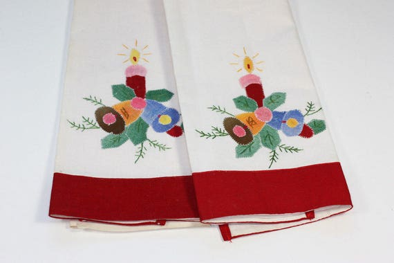 Set of 2 Embroidered Applique Christmas Towels Bells Candle Vintage