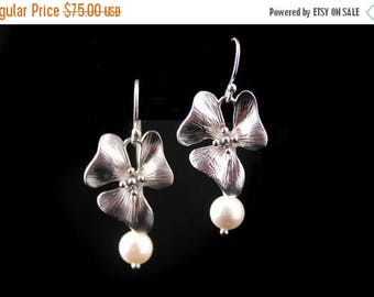 ON SALE Set of 5 Flower Earrings, Silver Flower and Pearl Earrings Laurel