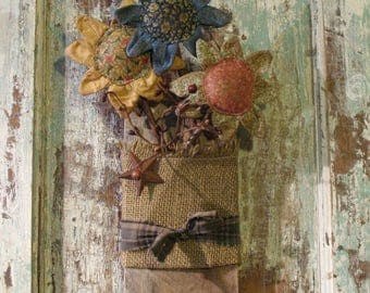 Primitive Flower Arrangement, Reclaimed Barn Wood Wall Hanging, Fabric Folk Flower Pokes, Handmade Primitive Wall Decor