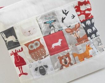 Critter Bag/Cosmetic Bag/Storage Pouch/Patchwork Linen Bag/Toiletry Bag/Zipper Bag
