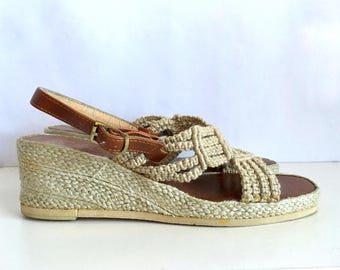Vintage Shoes Women's 70's Wedge, Sandals, Tan, Brown by Rappallo (Size 10)