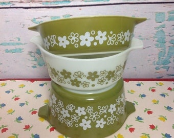 Vintage Pyex Spring Blossom crazy daisy green floral round casserole dishes 471 472 473 no lids kitchen Cooking Baking Chef Food storage