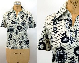 1970s nylon blouse shirt navy blue white floral op art polka dots dotty Size M