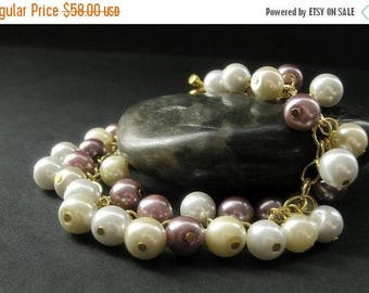 SUMMER SALE Mauve Pearl Bracelet in Gold. Pearl Charm Bracelet with Mauve Pink, Ivory, and White Pearls. Handmade Bracelet.