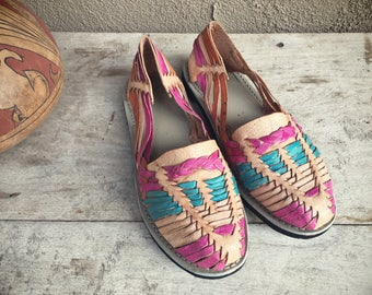 Vintage Mexican huarache sandals Women's Size 6.5 to 7 multi color Mexican sandals