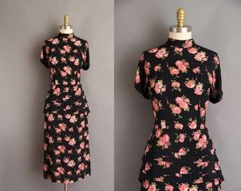 1940s vintage dress. 40s style John Roberts Rayon Rose vintage dress