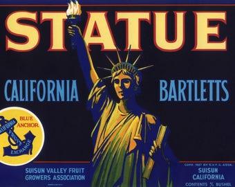 Original vintage pear crate label 1950s Suisun Patriotic Statue Of Liberty Emma Lazarus California
