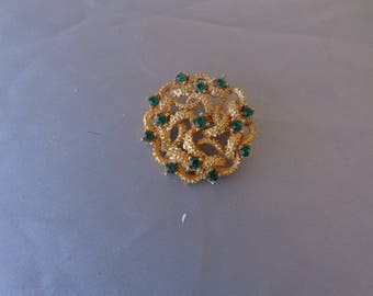 Brooch - Vintage Circular Gold Tone Brooch with Green Rhinestones