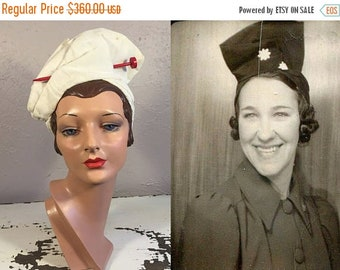 Anniversary Sale 35% Off Prunella Carlisle - Vintage 1930s White Rayon Twisted Turban High Tower Hat w/Red Needle