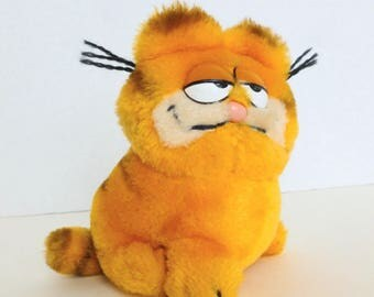 Garfield the Cat Dakin Plush Stuffed Animal Toy 1981 United Features Syndicate