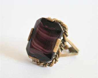 Vintage purple glass ring. Adjustable ring