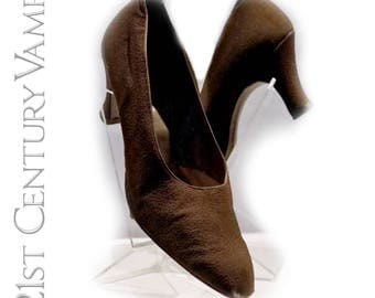 1920s Brown Silk Shoes. Clarks. Flapper. Jazz Age. Art Deco. Larger size - UK 7 or 7.5