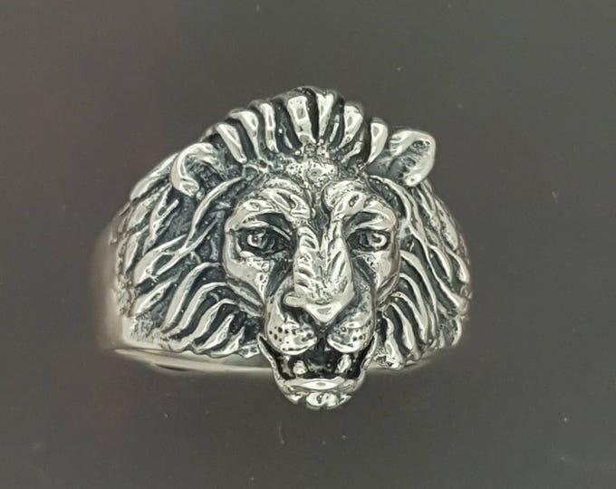 Classic Lion Ring in Sterling Silver