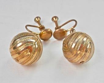Gold Ball Dangle Earrings Screwbacks 1950s 1960s Textured Goldtone Domes Retro Regency Dangle Earrings Drop Earrings Hollywood Glamour