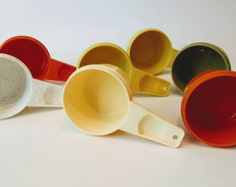 Vintage Tupperware Replacement 1/2 Cup Measuring Cups / All Colors / 1970s - 1980s Tupperware / Kitchen Gadgets / Kitchen Utensils