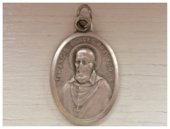 5 Patron Saint Medal Findings, St. Francis de Sales, Die Cast Silverplate, Silver Color, Oxidized Metal, Made in Italy, Charm, Drop, RM304