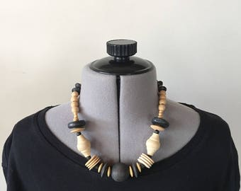Vintage 90s Short Wood Bead Necklace, Statement Necklace, Beaded Necklace, Chunky Necklace, Necklaces for Women