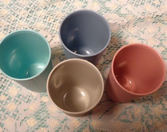 Vintage Tupperware Tumblers - Set of Four (4) Pastel Tumblers - # 873  -  17-449