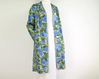 VINTAGE Raincoat Floral Jacket 1960s Blue Hydrangea