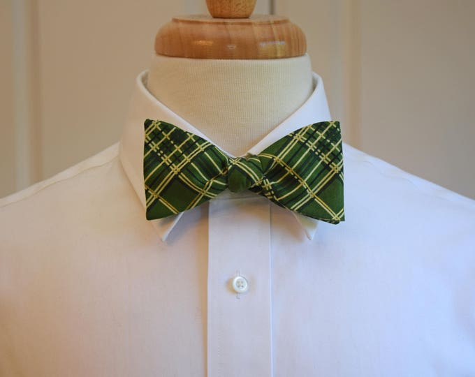 Men's Bow Tie, green plaid bow tie, green/gold holiday bow tie, green Christmas bow tie, festive green/gold plaid bow tie, men's Xmas gift