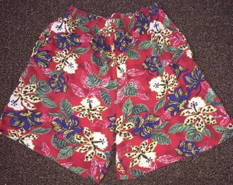 Vintage Women's Shorts Made By Capacity Petites Size L Floral 100% Cotton