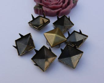 50 Antique Bronze Studs, 12mm metal square studs, Pyramid Studs, pyramid spike, 4 claw Rivets, metal studs for embellishment, DIY studs